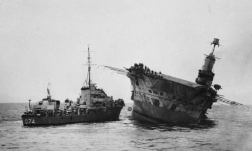 HMS Ark Royal trước khi bị chìm ngày 14/11/1941. Ảnh: Wikipedia.