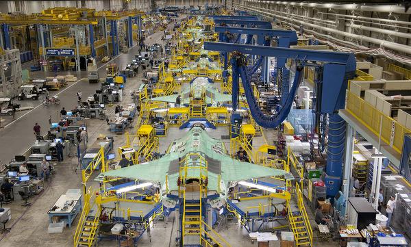 F-35-assembly-line-001-2416-1538697539.j