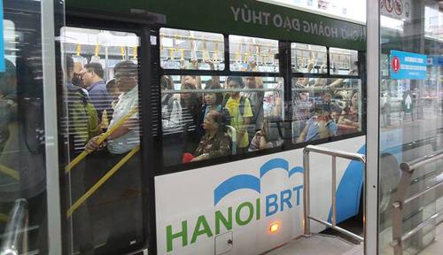 Tuyến xe buýt nhanh BRT Kim Mã - Yên Nghĩa. Ảnh: Ngọc Thành.