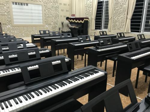 Phòng học âm nhạc mới của trường THPT chuyên Ngoại ngữ. Ảnh: Dương Tâm