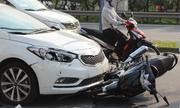Người đi xe máy nên hiểu cho người lái ôtô