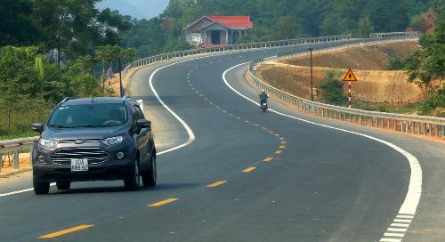 Đường gần 3.000 tỷ rút ngắn Hà Nội-Hoà Bình 20km chính thức thông xe