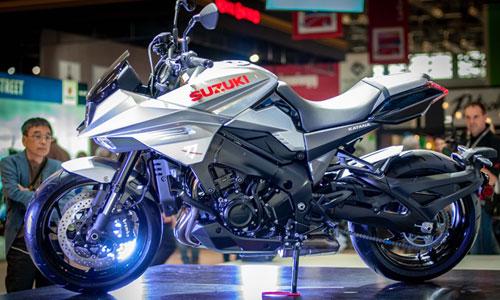 Suzuki hoi sinh huyen thoai moto Katana