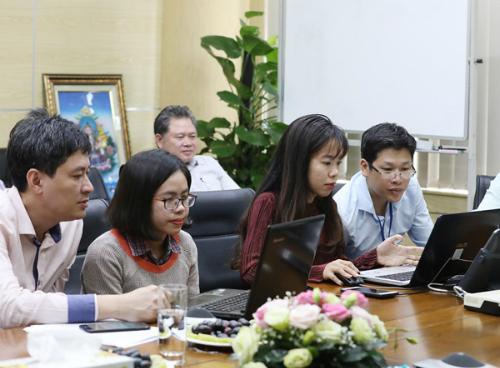 Ông Phạm Tuấn Anh (trái) tại buổi phỏng vấn trực tuyến.