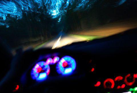 Khoang lái với màu sắc nhẹ là cách để tài xế chú ý hơn ở tầm nhìn trước đầu xe.