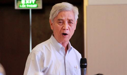 GS TSKH Nguyễn Ngọc Lung lo ngại môi trường ở Bạch Mã bị phá hủy. Ảnh: Võ Thạnh