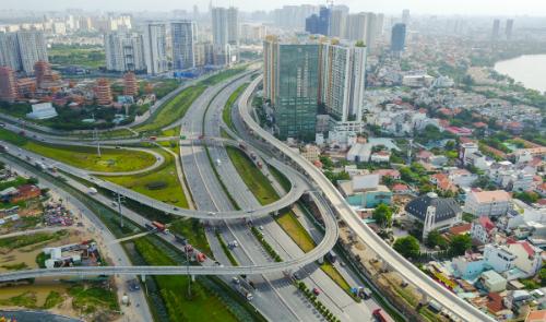TP HCM phấn đấu xây dựng mới 49 cây cầu, 190 km đường trong hai năm tới. Ảnh: Quỳnh Trần