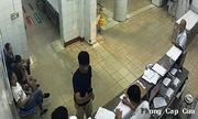Bác sĩ bị kỷ luật vì gạt điện thoại của người nhà bệnh nhân