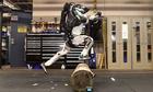 ba-mau-robot-van-dong-linh-hoat-cua-cong-ty-my