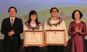 Hai học sinh được trao huân chương lao động hạng ba