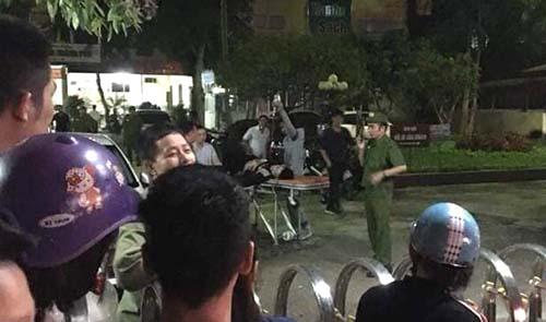 Cảnh sát có vũ trang được điều động đến vãn hồi trật tự tại Bệnh viện Đa khoa TP Thanh Hoá đêm 18/10. Ảnh: Lam Sơn.