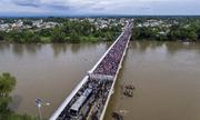 Đoàn di cư Honduras mắc kẹt ở biên giới trên đường tới 'miền đất hứa'