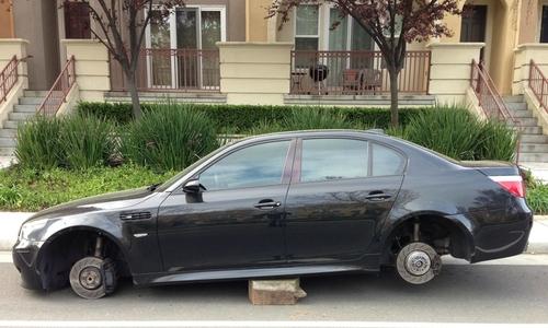 Những phụ tùng ôtô thường bị đạo chích nhòm ngó -