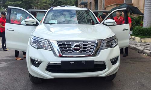 Nissan Terra xuất hiện tại TP HCM hôm 20/10. Ảnh: Nguyễn Bắc