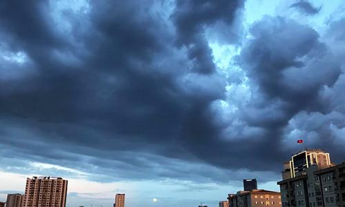 Gió mùa đông bắc gây mưa giông cho miền Bắc