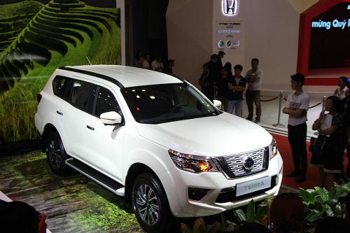 Nissan Terra ve Viet Nam ap luc cho vua doanh so Toyota Fortuner