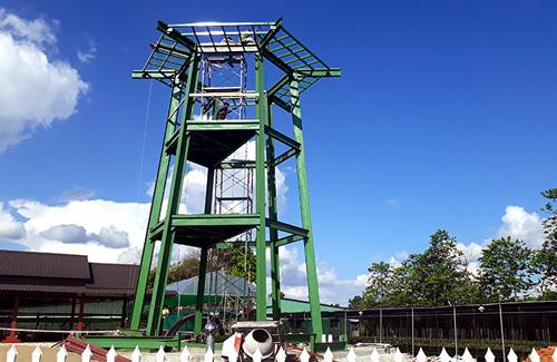 Đài ngắm làng hoa Sa Đéc cao 18 m đang hoàn thành. Ảnh: Long Hồ.