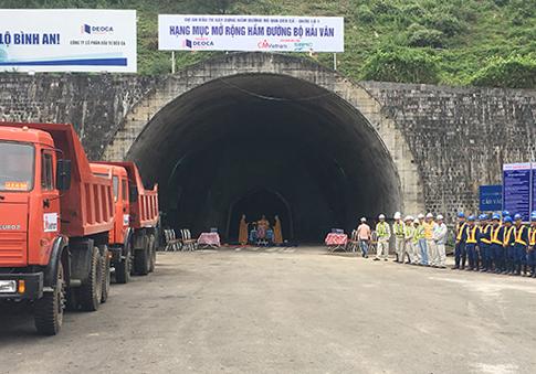 Ngoài hầm Hải Vân1, chủ đầu tư đang đầu tư mở rộng hầm Hải Vân 2.