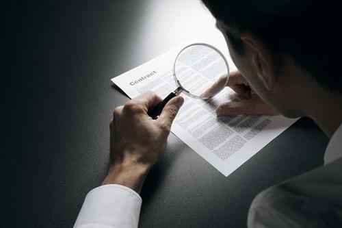 Dấu câu trong điều khoản quy định pháp luật rất quan trọng.