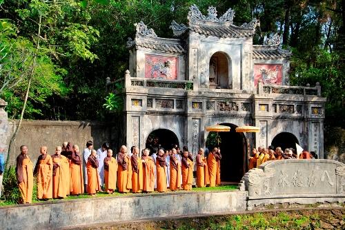 Thiền sư Thích Nhất Hnahj quyết định ở lại Việt Nam đến khi viên tịch. Ảnh: Võ Thạnh