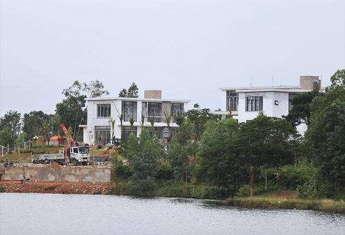 Công trình sai phép trên địa bàn xã Minh Phú. Ảnh: Gia Chính