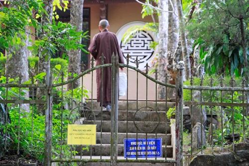Khu vực nội viện nơi thiền sư Thích Nhất Hạnh tịnh dưỡng. Ảnh: Võ Thạnh