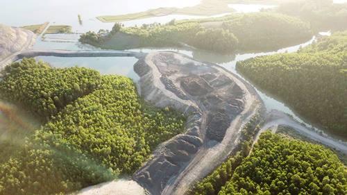 Đất rừng phòng hộ hồ Yên Lập bị đào bới trái phép. Ảnh: Minh Cương