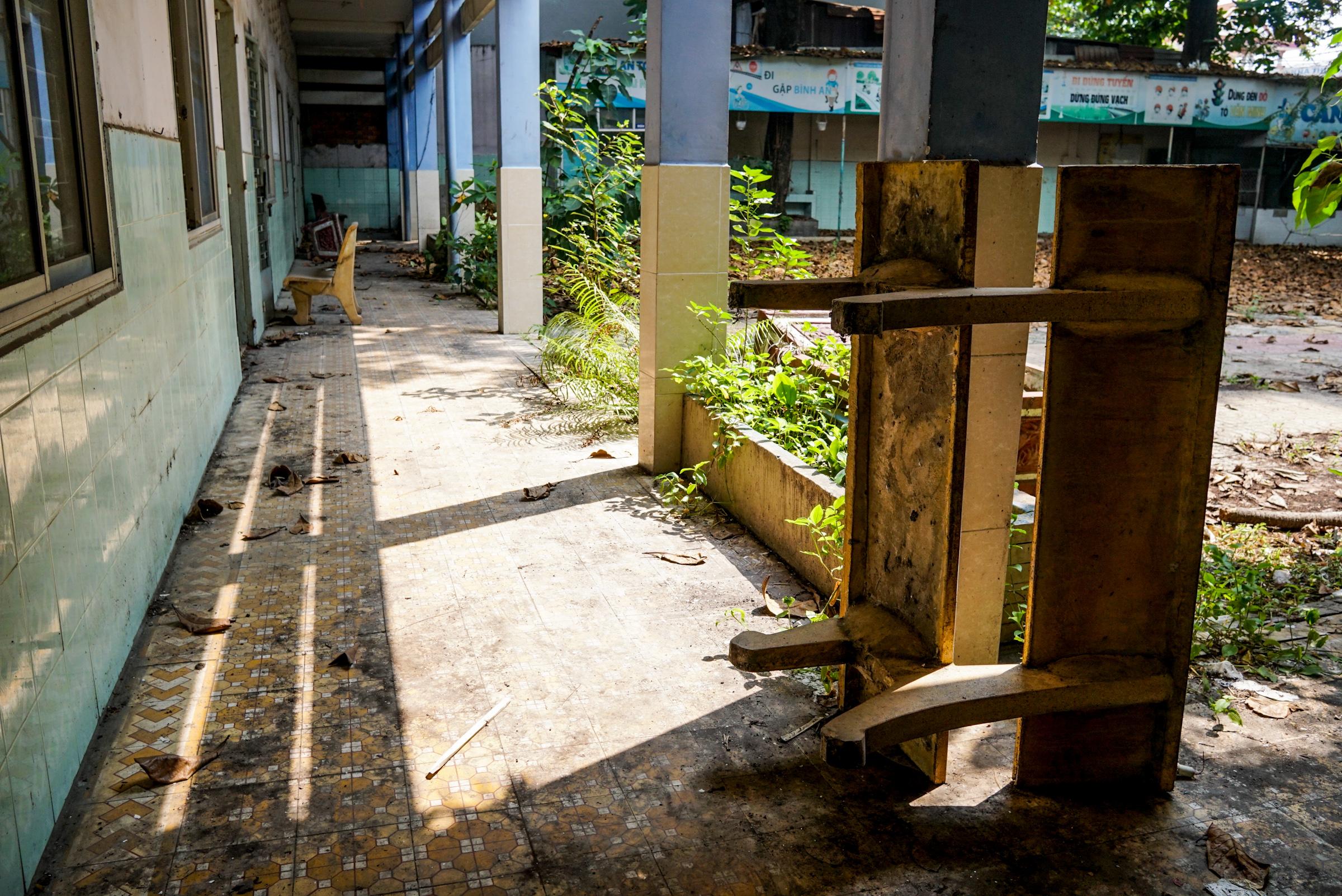 Trường tiểu học bỏ hoang ở Sài Gòn