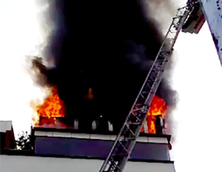 Cháy khách sạn ở trung tâm Sài Gòn, du khách chạy tán loạn