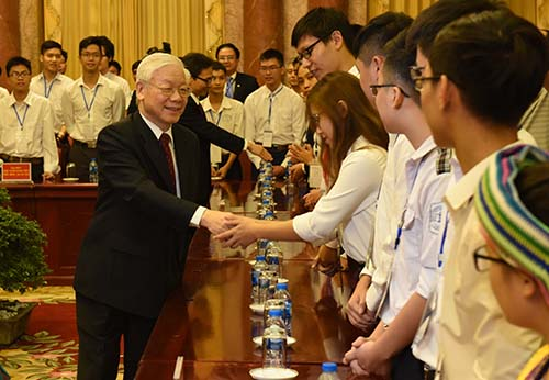 Tổng bí thư, Chủ tịch nước Nguyễn Phú Trọng gặp mặt học sinh tiêu biểu