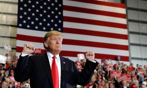 Tổng thống Mỹ Donald Trump vận động cho đảng Cộng hòa trong cuộc bầu cử giữa kỳ tại Florida hôm 3/11. Ảnh: AP.