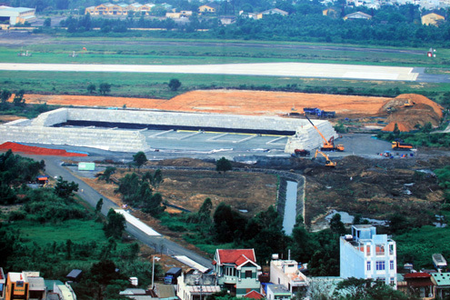 Khu mố xử lý bùn, đất nhiễm dioxin tại sân bay Đà Nẵng. Ảnh: Nguyễn Đông.