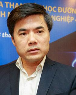 Phó Vụ trưởng Phụ trách Giáo dục Chính trị và Công tác học sinh sinh viên (Bộ Giáo dục và Đào tạoBùi Văn Linh.
