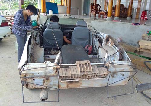 Chiếc Daiwo Cielo hư hỏng của bố mẹ anh Trung trước khi được độ thành Lamborghini. Ảnh: NVCC