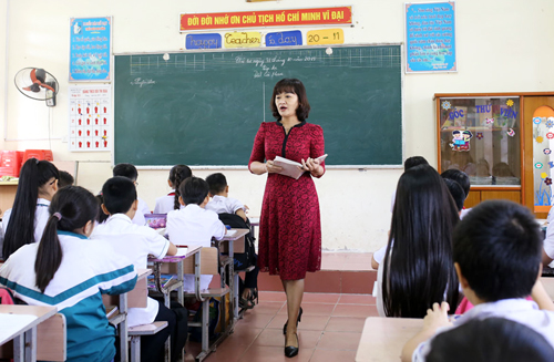 Tiết học tập đọc của học sinh lớp 5B Trường Tiểu học thị trấn Phú Xuyên, Hà Nội. Ảnh: Tất Định