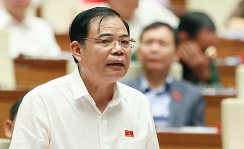 Bộ trưởng Nông nghiệp và Phát triển Nông thôn Nguyễn Xuân Cường tại Quốc hội. Ảnh: Trung tâm thông tin Quốc hội