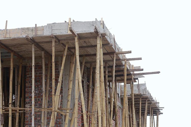 Bí thư xã bị yêu cầu tháo dỡ mái nhà vì xây lấn đường