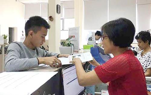 Nam sinh Quang Quốc Việt làm thủ tục nhập học tại trường Đại học Bách khoa Hà Nội ngày 8/11.