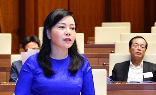 Bộ trưởng Y tế Nguyễn Thị Kim Tiến tại Quốc hội. Ảnh: Trung tâm thông tin Quốc hội