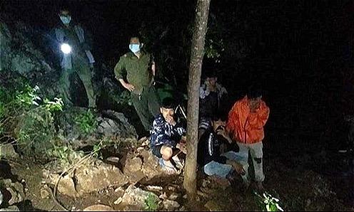 Thi thể người đàn ông dưới chân núi ở Thanh Hoá