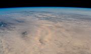 Hào quang trên mây chụp từ ngoài vũ trụ