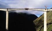 Trung Quốc hoàn thiện xây dựng cầu vượt sông cao 2.900 mét