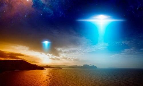 ba-phi-cong-trong-thay-ufo-luot-sat-may-bay-ngoai-khoi-ireland
