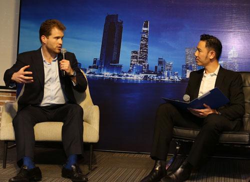 Các diễn giả chia sẻ những bài học kinh nghiệm và gợi ý cho Việt Nam. Ảnh: MC.