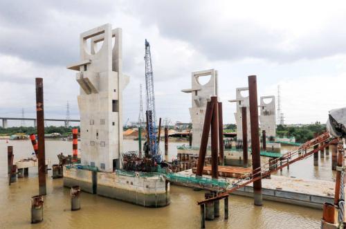Dự án chống ngập do triều đã bị ngừng thi công suốt 6 tháng qua. Ảnh: Quỳnh Trần