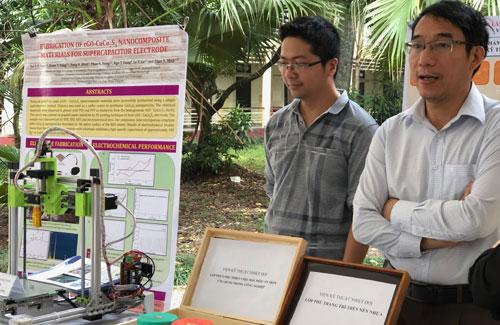 Máy in 3D được các nhà khoa học VAST thiết kế, chế tạo. Ảnh: BN.