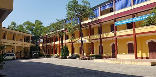 Khuôn viên THPT Nguyễn Trãi. Ảnh: Lê Hoàng.