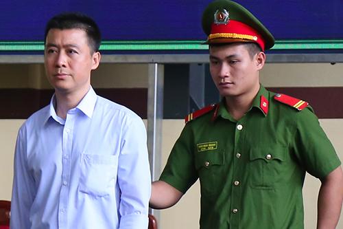 Phan Sào Nam - một trong ba chủ mưu của đường dây đánh bạc trực tuyến chục nghìn tỷ. Ảnh chụp chiều 17/11: Phạm Dự