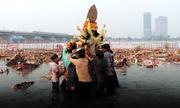 Dòng sông ô nhiễm bậc nhất ở Ấn Độ