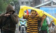 Áp thấp nhiệt đới phức tạp, học sinh TP HCM có thể được nghỉ học